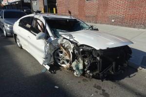 zniszczony-samochód
